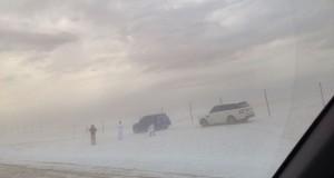 بالصور: الإمارات تكتسي باللون الأبيض في مشهد نادر الحدوث