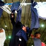 ذوو طلبة في الإمارات يشكون عيوب في تصنيع الزي المدرسي وسوء تنظيم في التوزيع