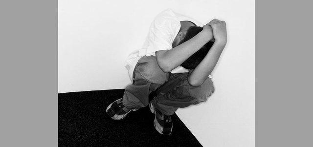 أبوظبي للتعليم يحمّل المدارس مسؤولية الإبلاغ عن تعرض الطالب للإساءة