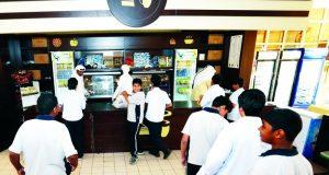 بلدية دبي تطلق برنامجاً للتغذية في المدارس قريباً