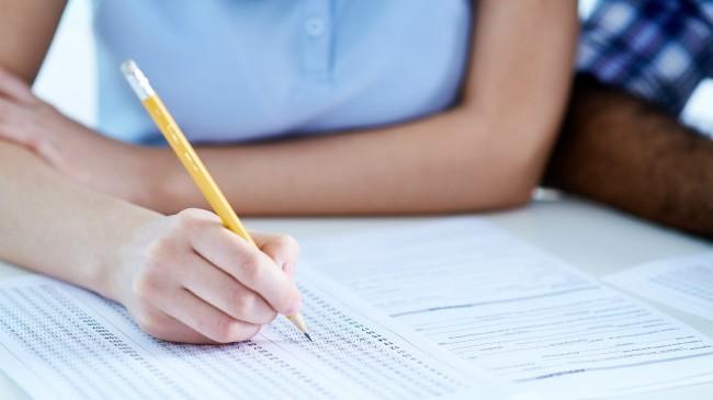 توزيع نتائج امتحانات الفصل الأول في أبوظبي