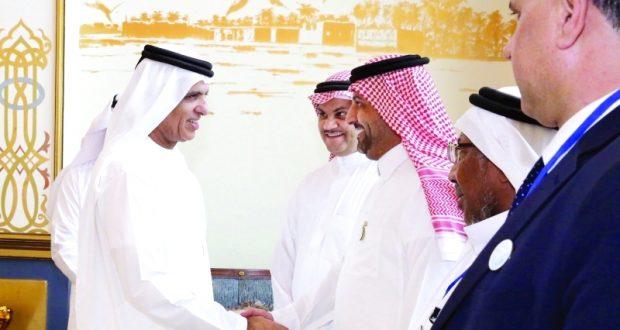 سعود القاسمي يؤكد أهمية استقطاب الشباب العربي نحو علم الكيمياء