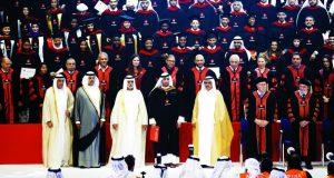 حمدان بن راشد يشهد تخريج 430 طالباً في الجامعة الكندية