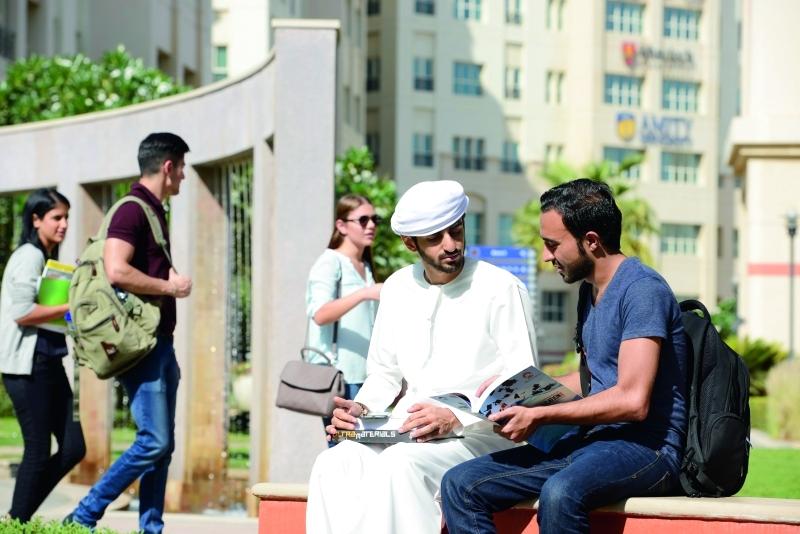 «دبي الأكاديمية» توفّر منحاً لـ2800 طالب بـ35 مليوناً