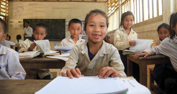 «دبي العطاء» تذلل العقبات أمام تعليم الطلبة في لاوس