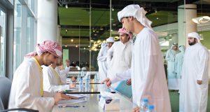 جامعة خليفة تنظم برنامجاً إرشادياً لـ 500 طالب