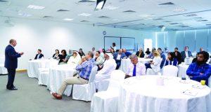 حلقة أسبوعية بحثية في جامعة حمدان الذكية تثري الإنتاج الإبداعي