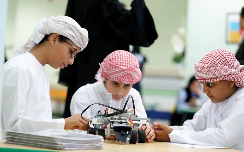 «أبوظبي للعلوم» يشجع الطلبة على دراسة مهن المستقبل