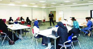 جامعة عجمان تُطوّر مهارات خريجيها بدورات متخصصة