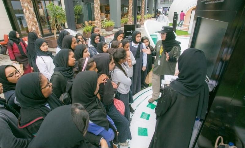 طلبة مدارس دبي يتعرّفون على حلول مبتكرة للتحديات