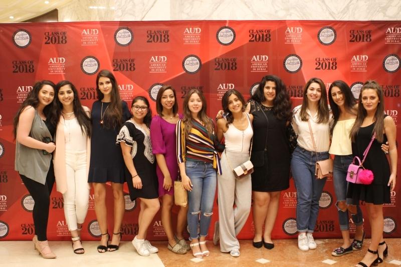 عرض مشاريع تخرّج 51 طالباً في كلية محمد بن راشد للإعلام