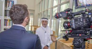 «سي إن إن» تعرض تقريراً عن التقنيات الرقمية في جامعة دبي