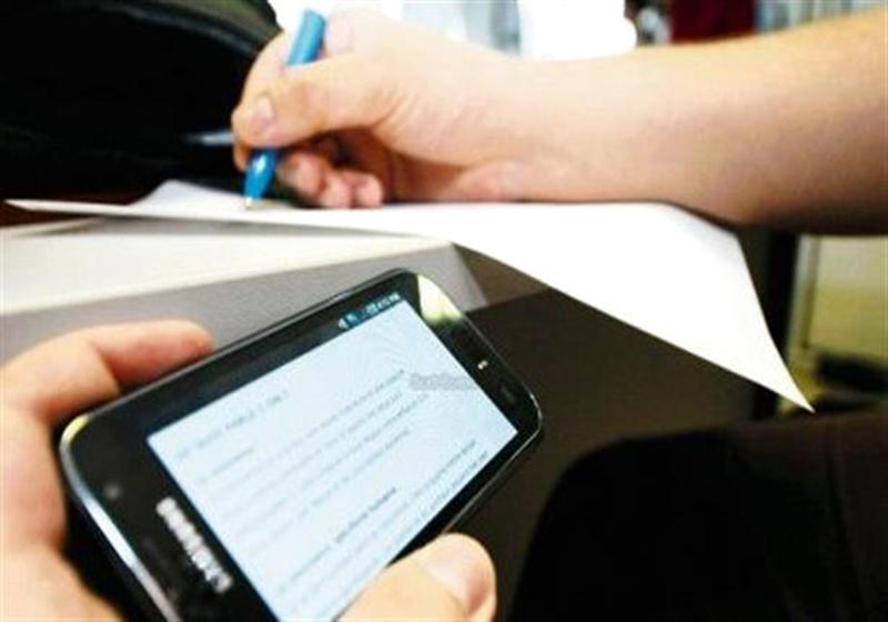 مطالبات بأجهزة تشويش للحد من الغش الإلكتروني