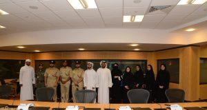 «مجلس طلبة الجامعات» يطلع على خدمات السيطرة في شرطة دبي
