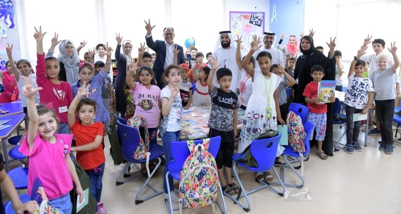 «طرق دبي» توزع «عيدية الأضحى» على 1500 طالب